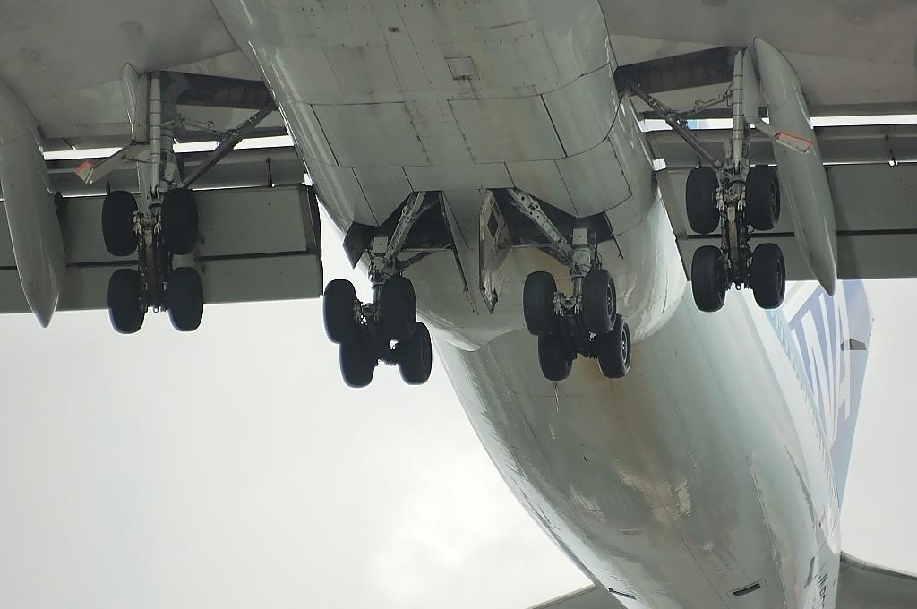 飛行機のタイヤ