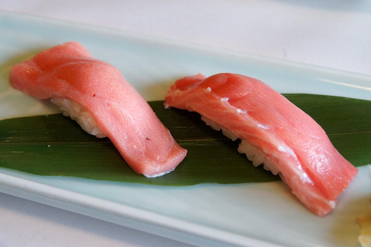 中トロの握り寿司