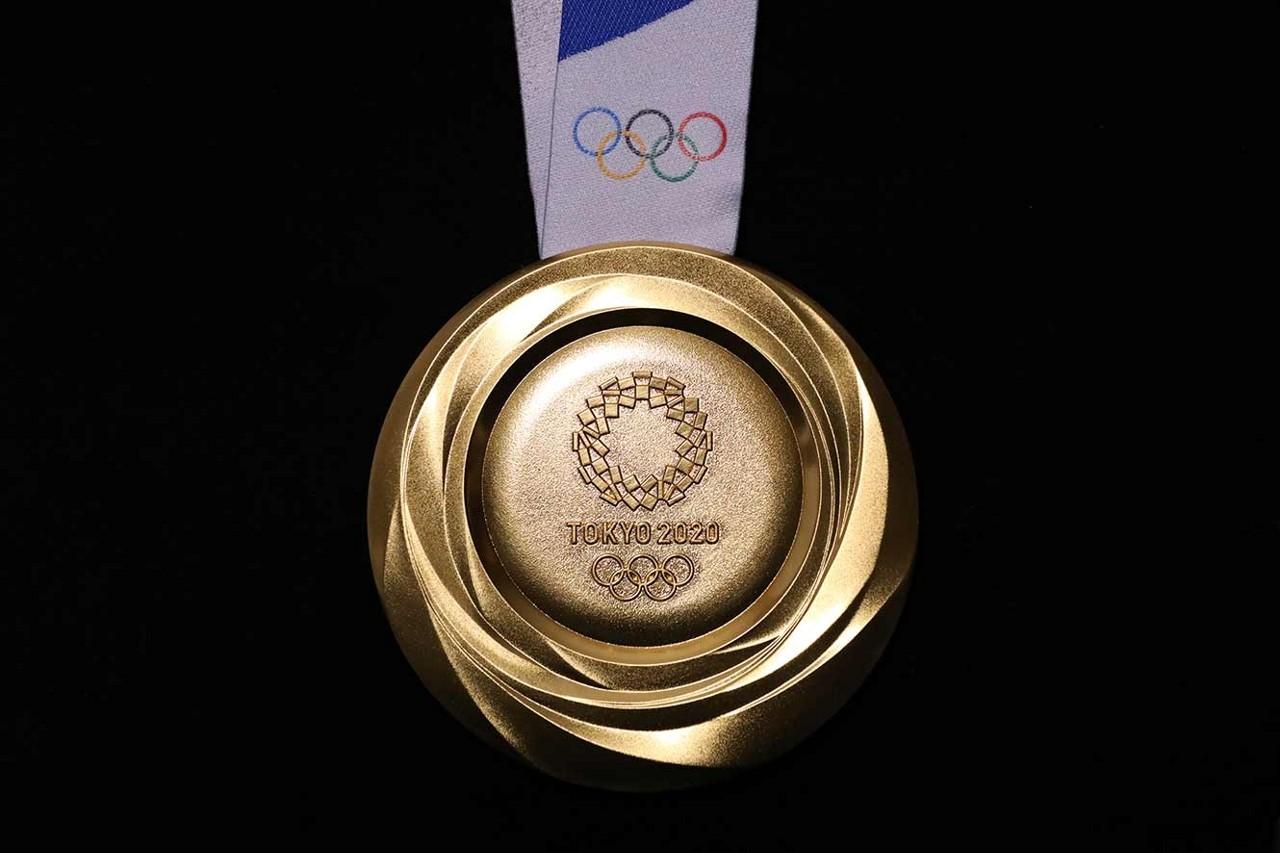 東京オリンピックのメダル(裏面)