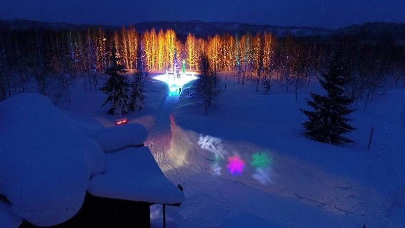「天使の囁き記念日」ライトアップ