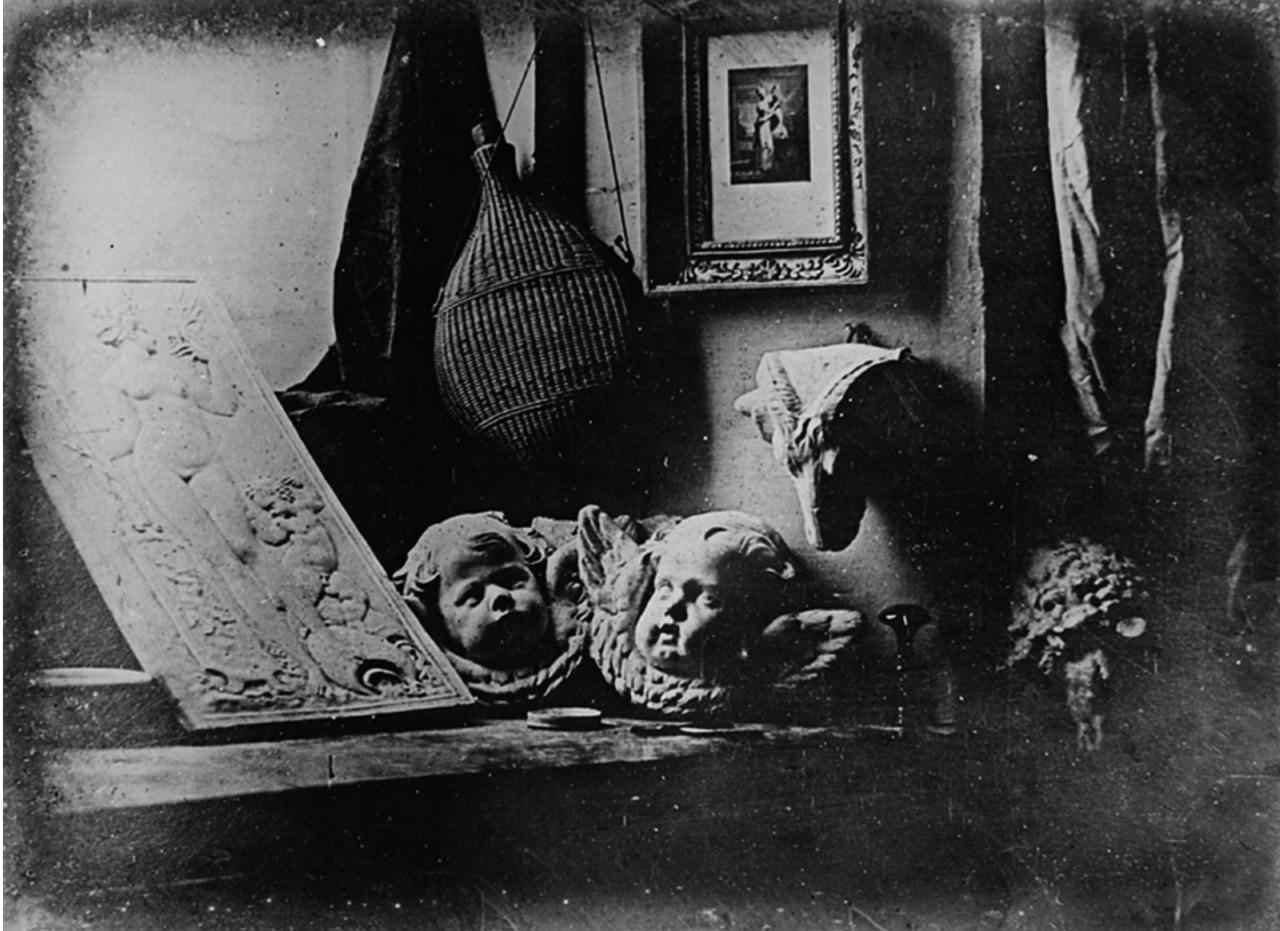 ダゲレオタイプで撮影したダゲールのアトリエ(1837年)