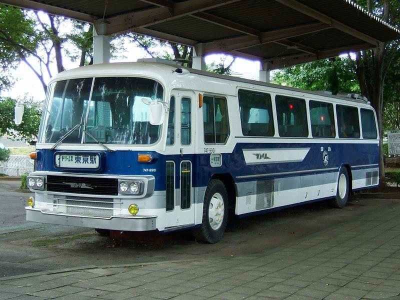 初代「ドリーム号」(日野RA900P)