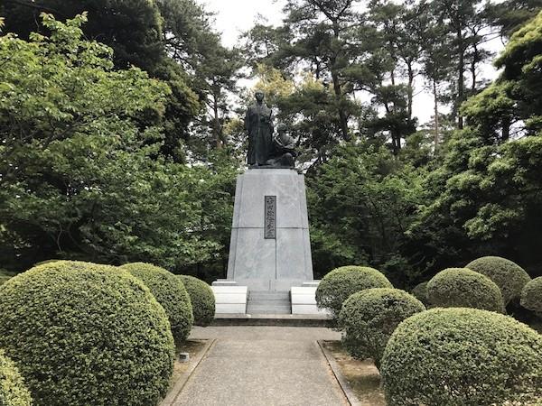 吉田松陰と金子重之輔の像