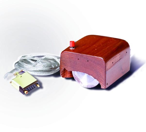世界初のマウスの試作品