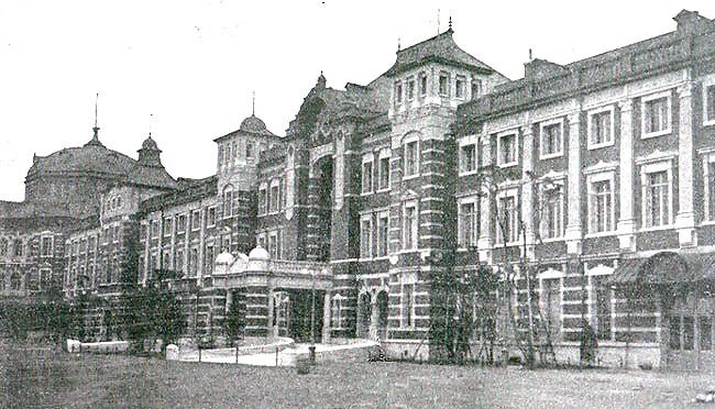 東京駅(1914年12月)