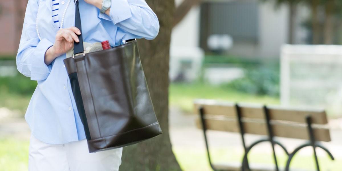 「manri」のバッグ